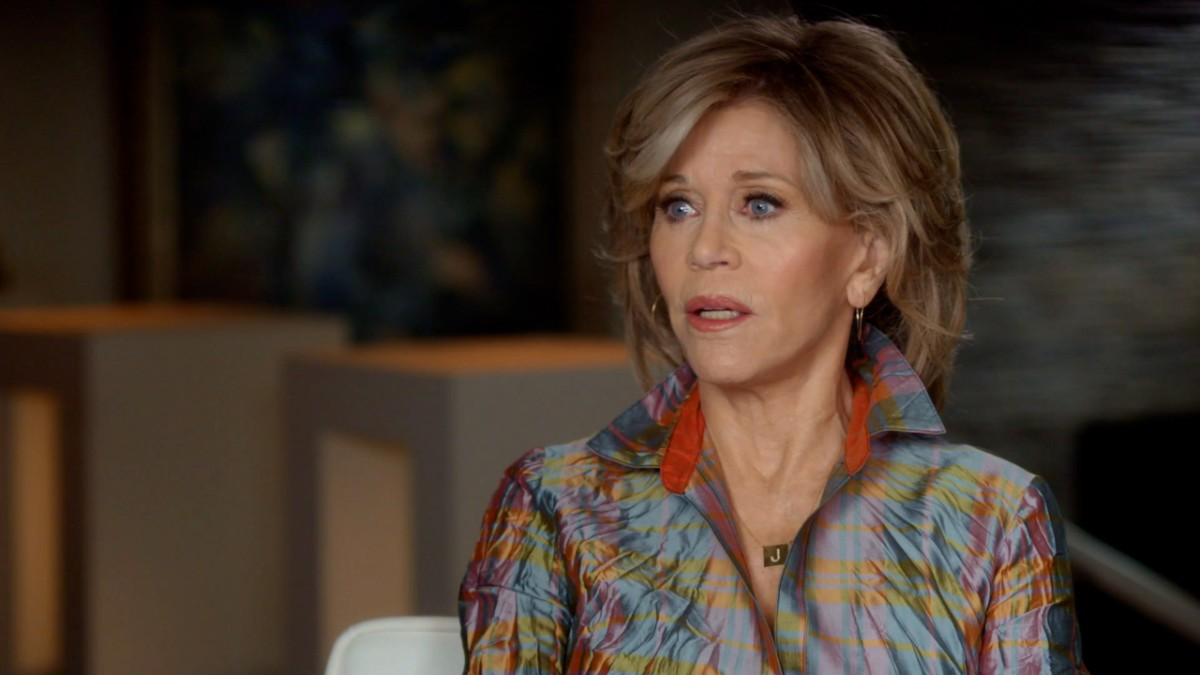 Jane Fonda in Five Acts Jane on Activism - Extra