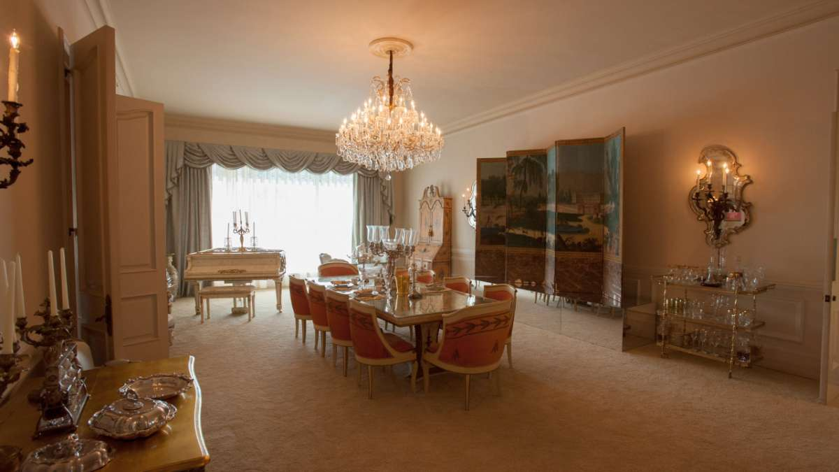 Liberace dining room