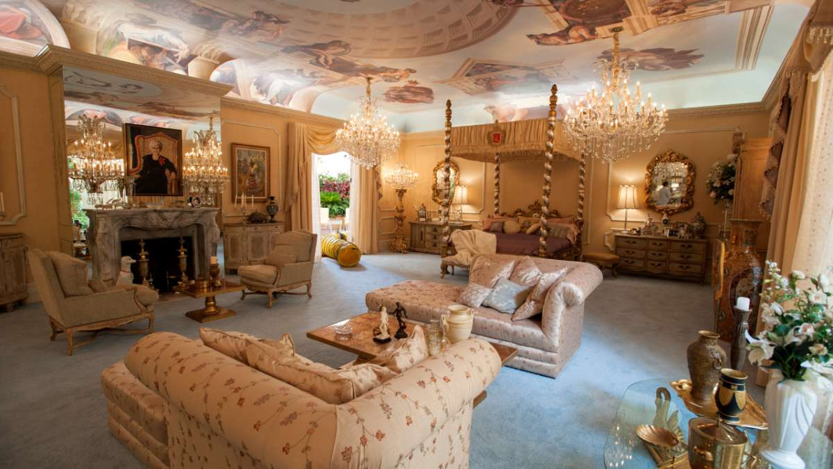 Liberace bedroom