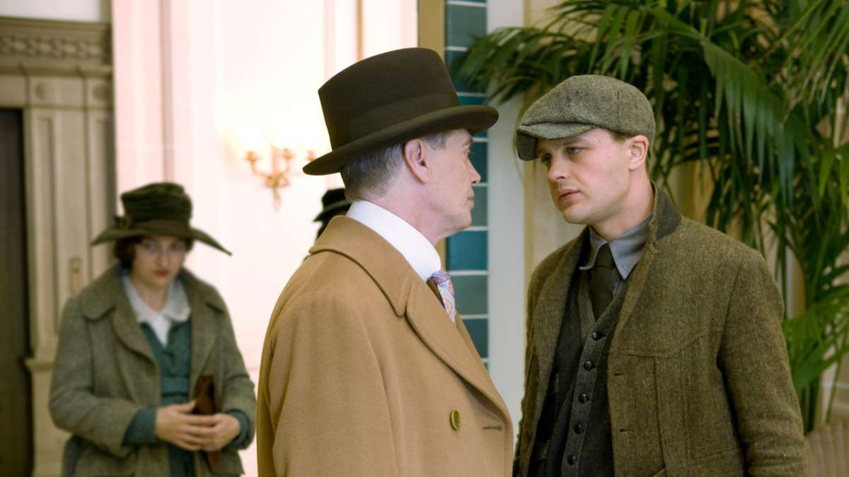 Nucky and Jimmy speaking