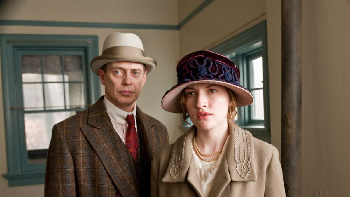 Margaret and Nucky in house
