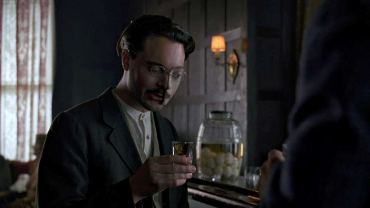 7 Deuces War Hero