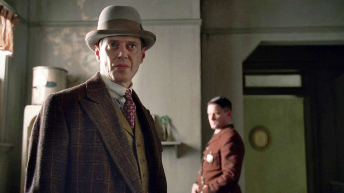 Nucky and Eli in Ethans house
