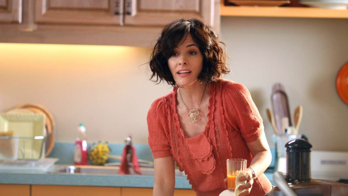 Parker Posey as vegan client