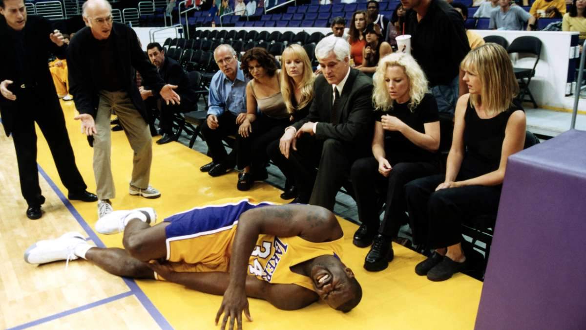 Shaq on floor in pain