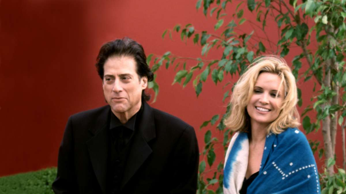 Richard Lewis and blonde girlfriend