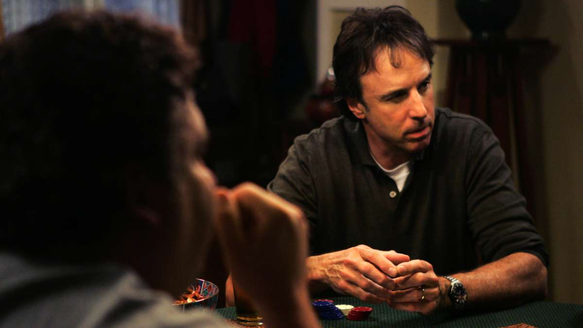 Kevin Nealon at poker table