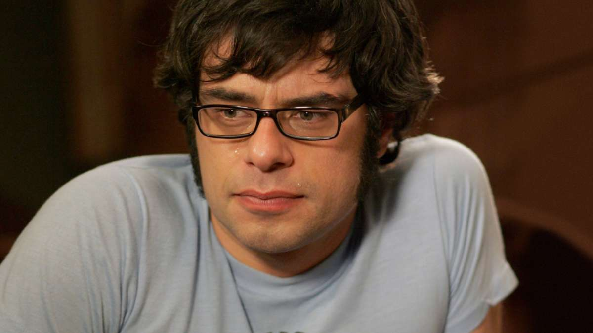 Jemaine with tears in his eyes