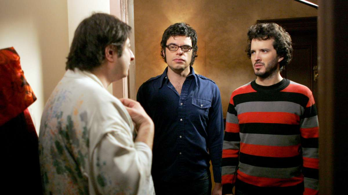 Landlord speaks to Jemaine and Bret