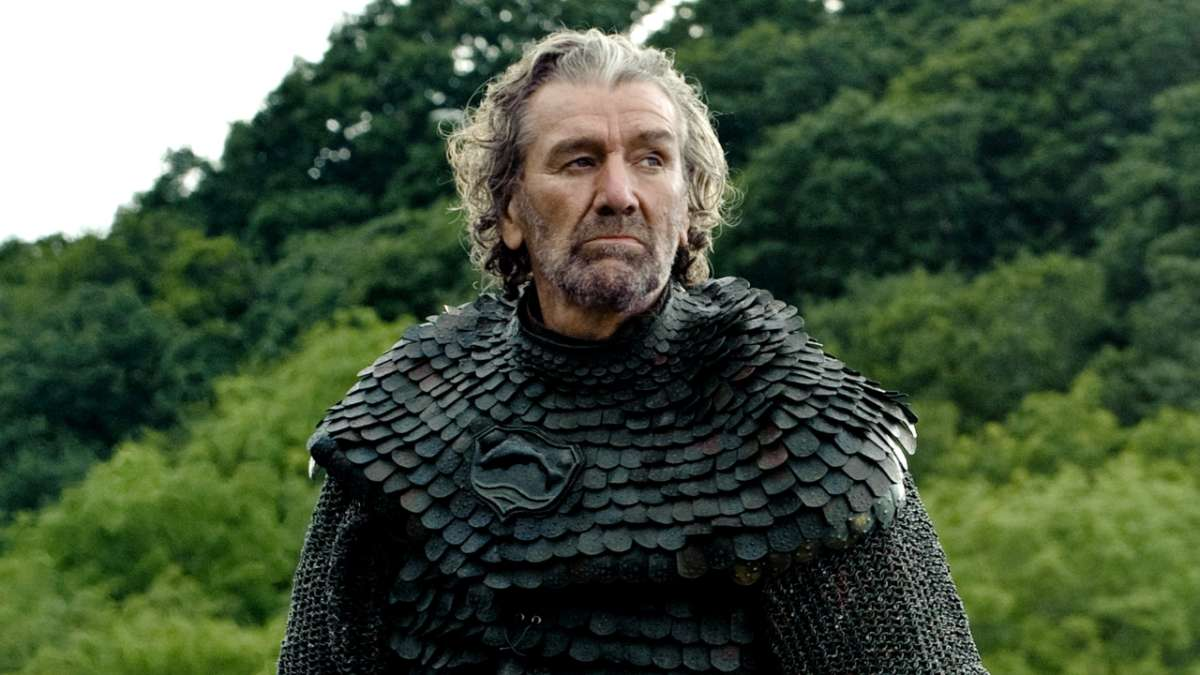 "Brynden Tully (""The Blackfish"") PLAYED BY CLIVE RUSSELL"