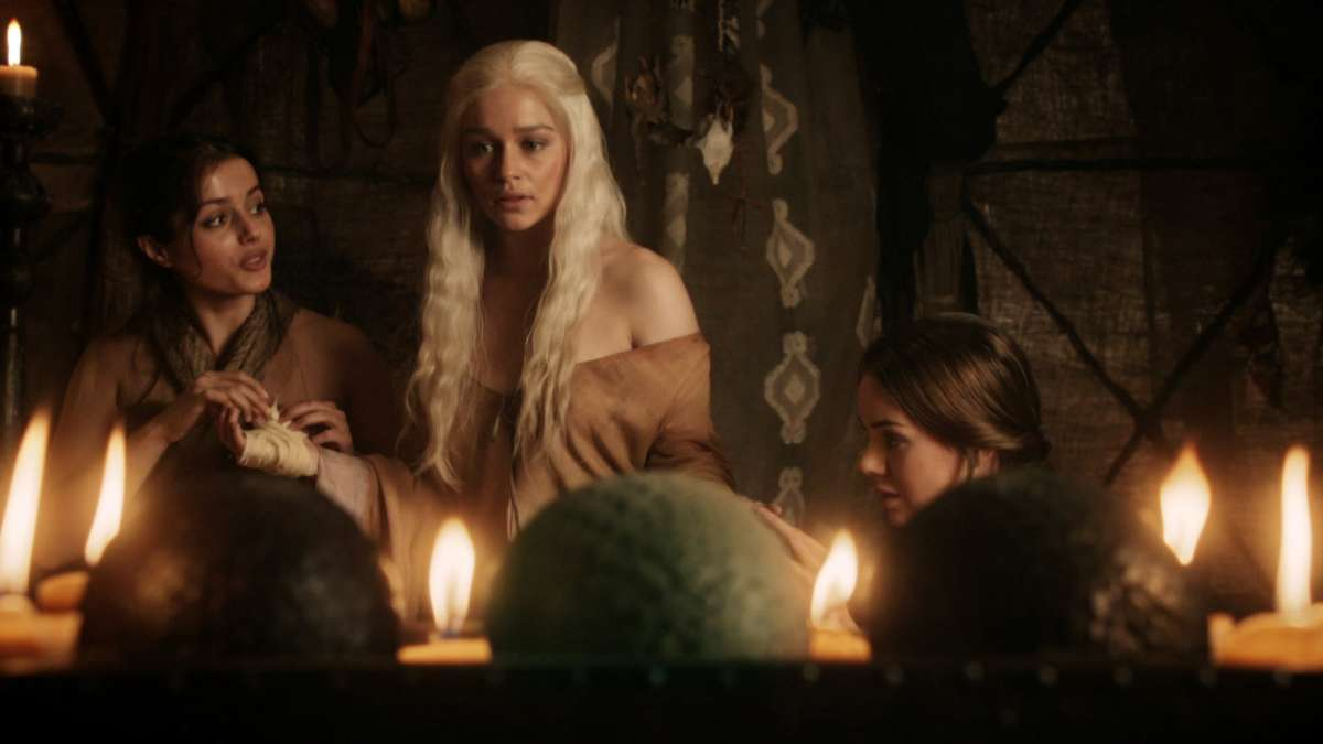 2 clip: Dany and handmaidens
