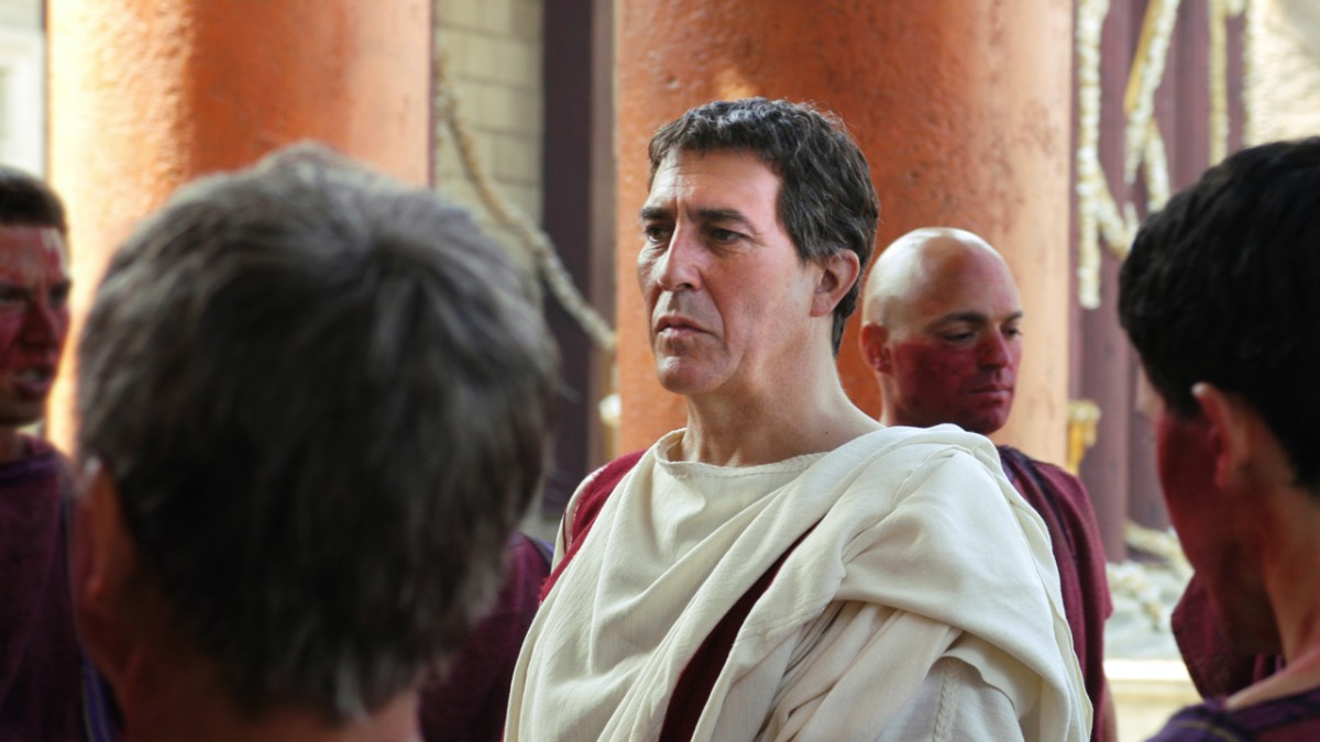 Julius Caesar in Senate robes