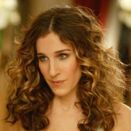 Carrie Bradshaw stares