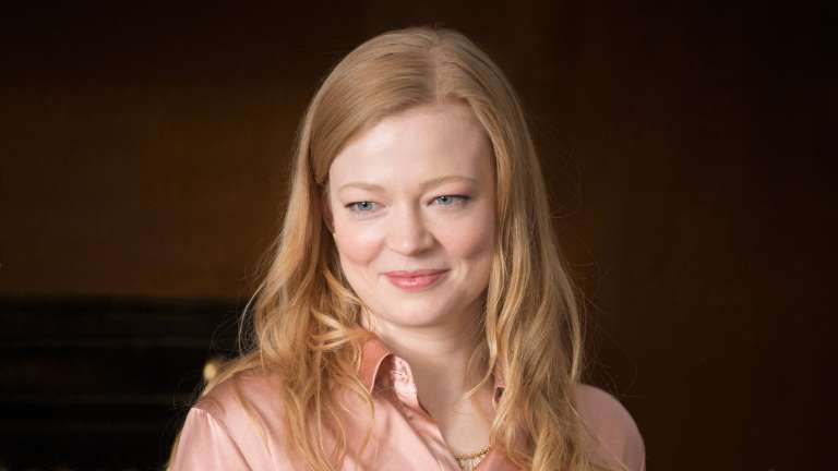 Siobhan Quot Shiv Quot Roy Played By Sarah Snook On Succession Hbo